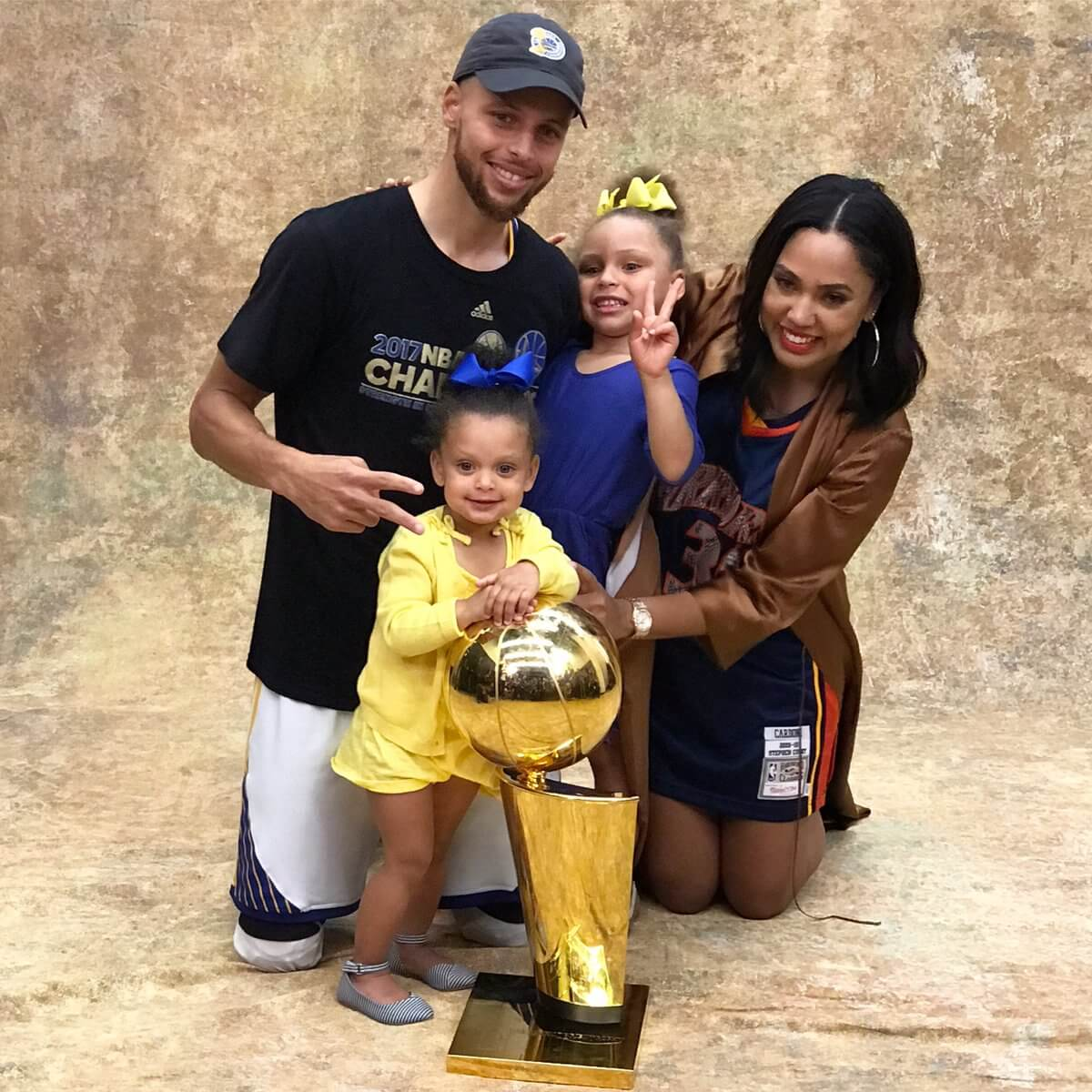 these photos of steph curry  u0026 his daughters celebrating