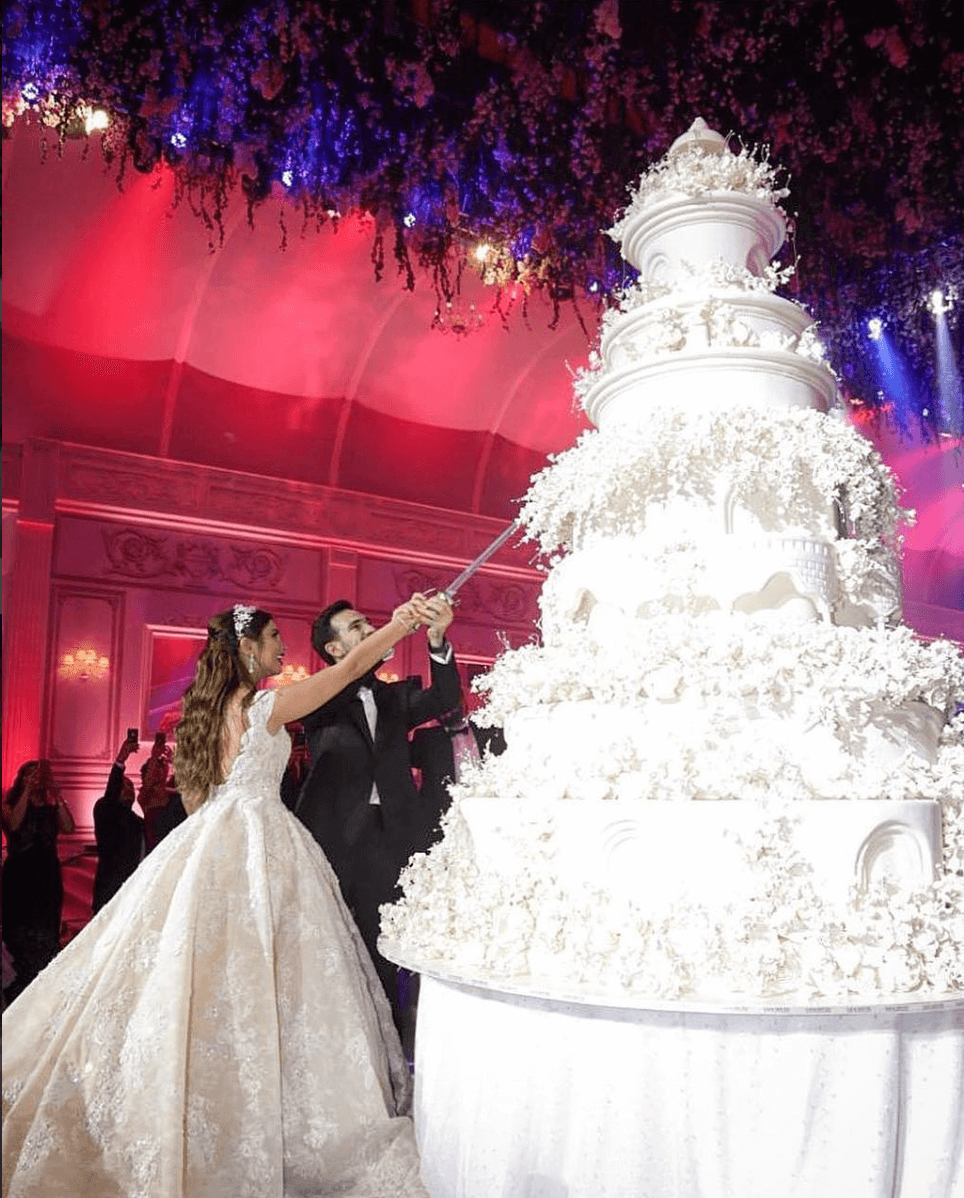 worlds largest wedding cake this is possibly the wedding cake you ve seen 27634